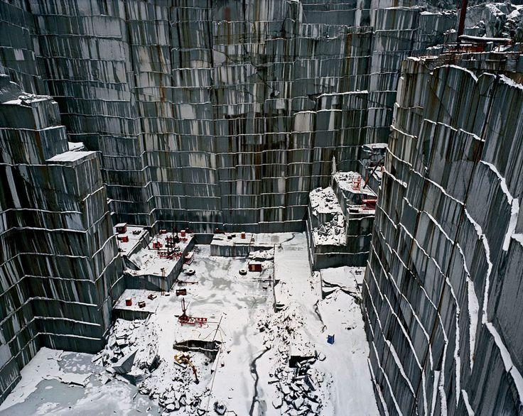 Edward Burtynsky. Rock of Ages #15
