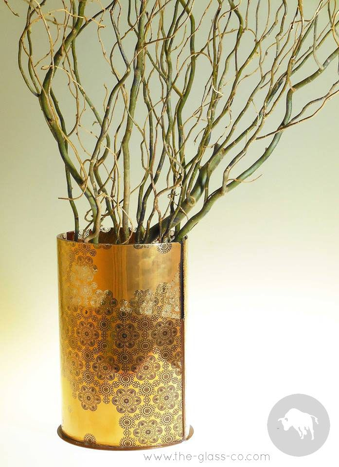 #Gold #Centerpiece A luxurious gold vase with elaborate pattern design, great for dining table centerpiece or guest room decorative item designed by www.the-glass-co.com