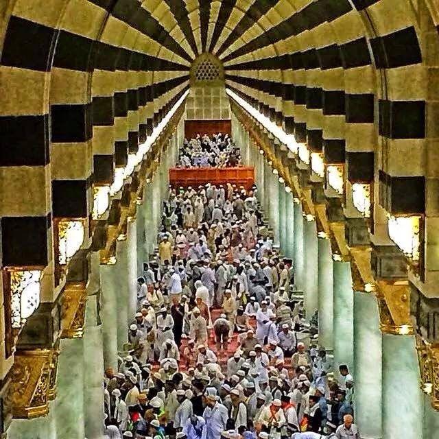 Pin by somayah Ameen on المسجد النبوي المدينة المنورة