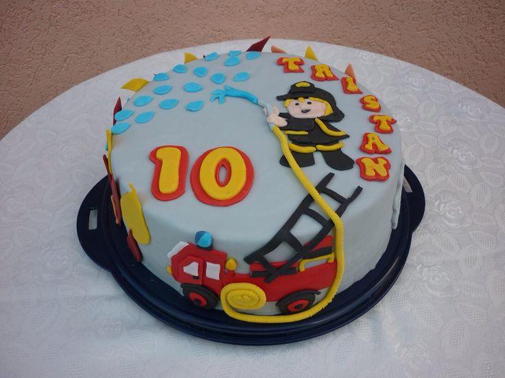 Fondant Torte Feuerwehr für den kleinen Feuerwehrmann!  Eigene ...