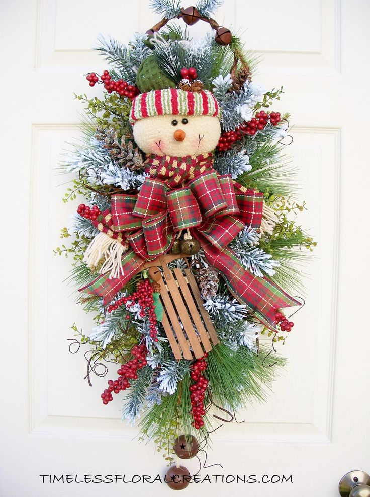 Timeless Snowman Swag http://timelessfloralcreations.com/ https://www.facebook.com/timelesswreaths