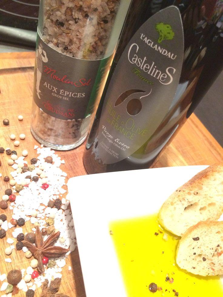 Conseil pour déguster notre huile d'olive Castelas : Gros sel aux épices et croutons de pain #Enjoy #BonAppétit #Terroir #Gastronomie
