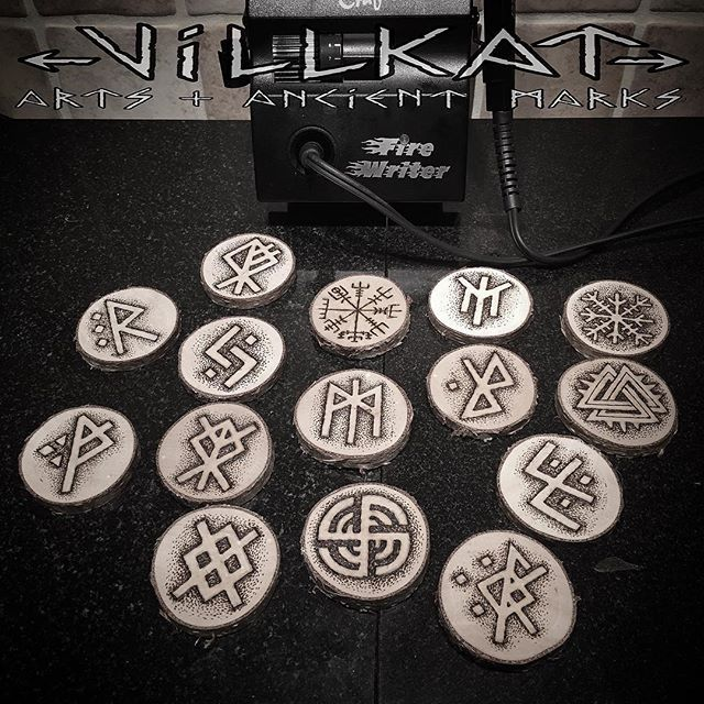Had loads of fun doing these pyro bindrunes:) #runes #rune #bindrune #aegishjalmur #valknut #vegvisir #ancientmarks #paganart #pagan #vikingsunite #theoldways #vikingtattoo #artofthenorth #vikingnation #vikingart #