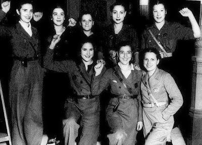 Spain - 1938. - GC - Milicianas Teatro Lara Madrid