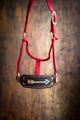 Gorgeous horse tack by Busted K Halters. It's a simple yet eye-catching look for your horse!