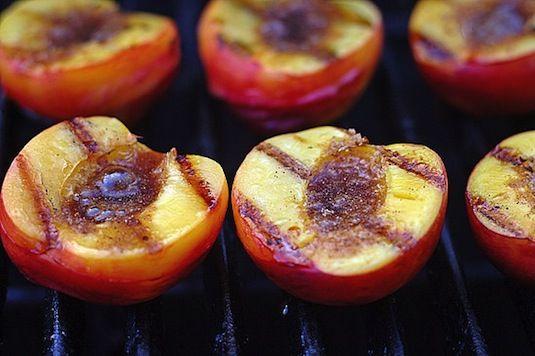 Grilled Peaches & Cinnamon