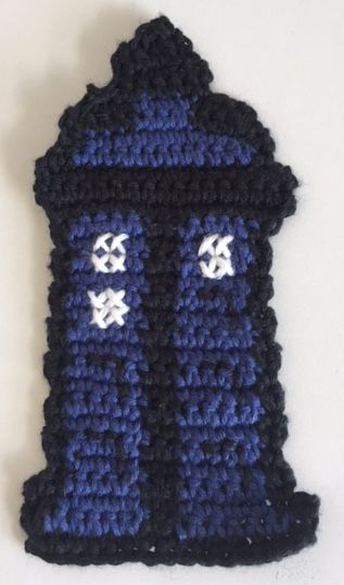 This bookmark is for inspiration only. I use a picture that I found on pintereste of beads as a pattern for this bookmark.