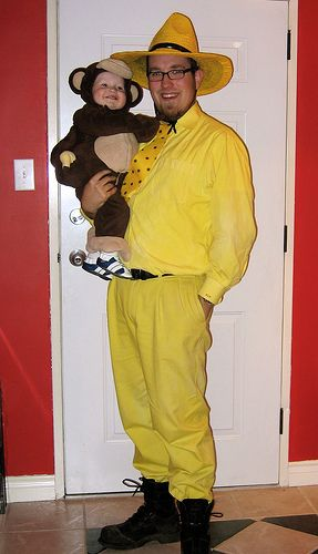 curious george and the man in the yellow hatHalloweencostumes, Babywearing Costumes, Yellow Hats, Cutest Costumes, Baby Costumes, Curiousgeorge, Baby Halloween Costumes, Curious George, Costumes Ideas