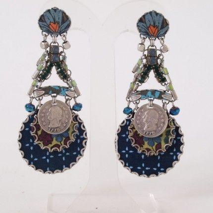Prachtige handgemaakte oorbellen van Ayala Bar met mineralen, kristal en glas. Een bijzonder sieraad om te dragen   http://www.widaro.nl/ayala-bar-oorbellen-blauw-3536.html