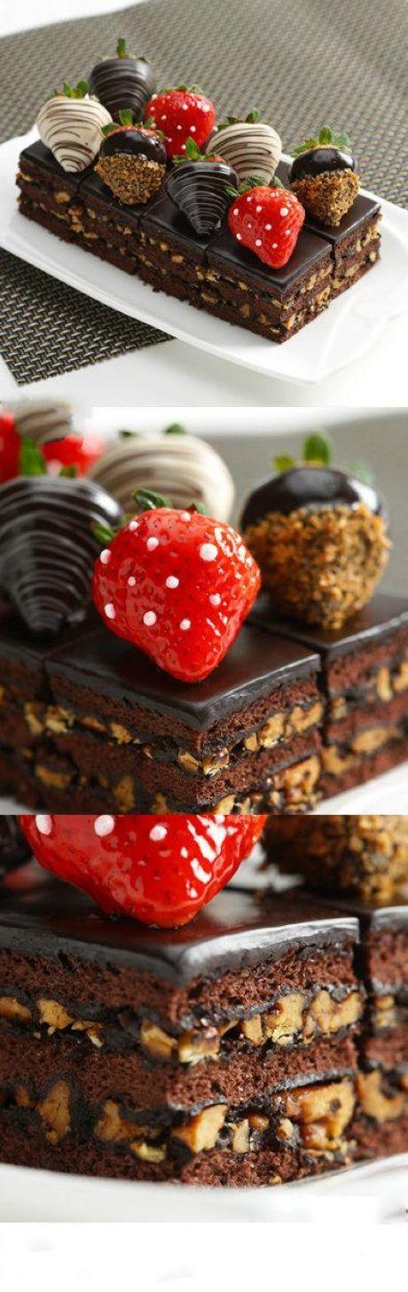 Chocolate strawberry cake ❤ #chocolates #sweet #yummy #delicious #food #chocolaterecipes #choco