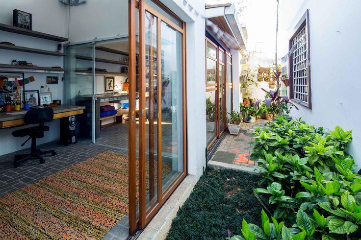 Com apenas 40 m², 'puxadinho' ganha quitinete sem luxos, mas muito funcional