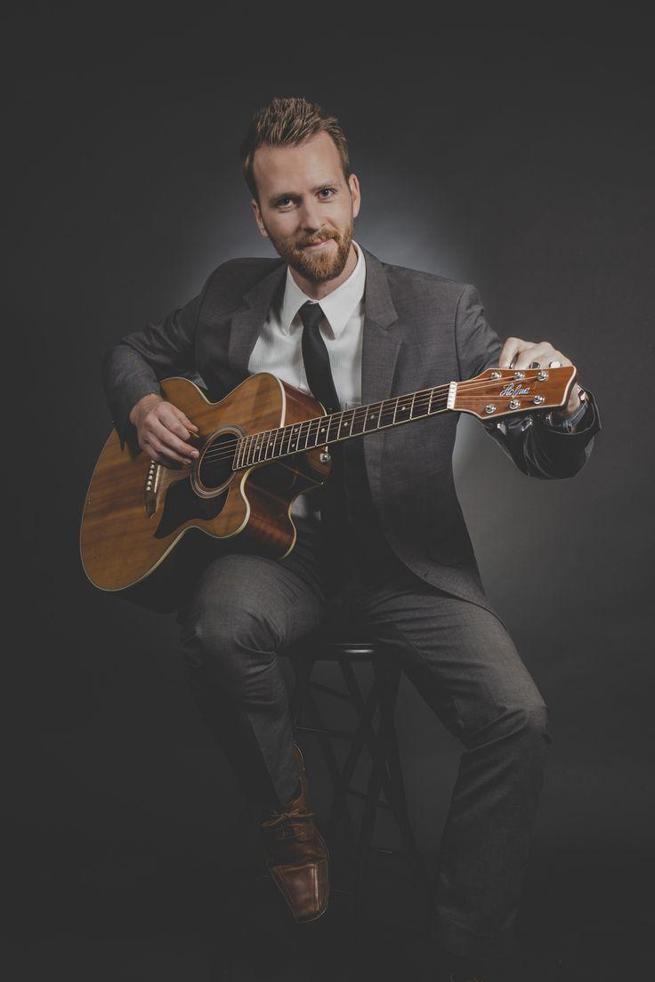 чертаново остановкой интересные фото мужчина с гитарой здесь требуется особенная