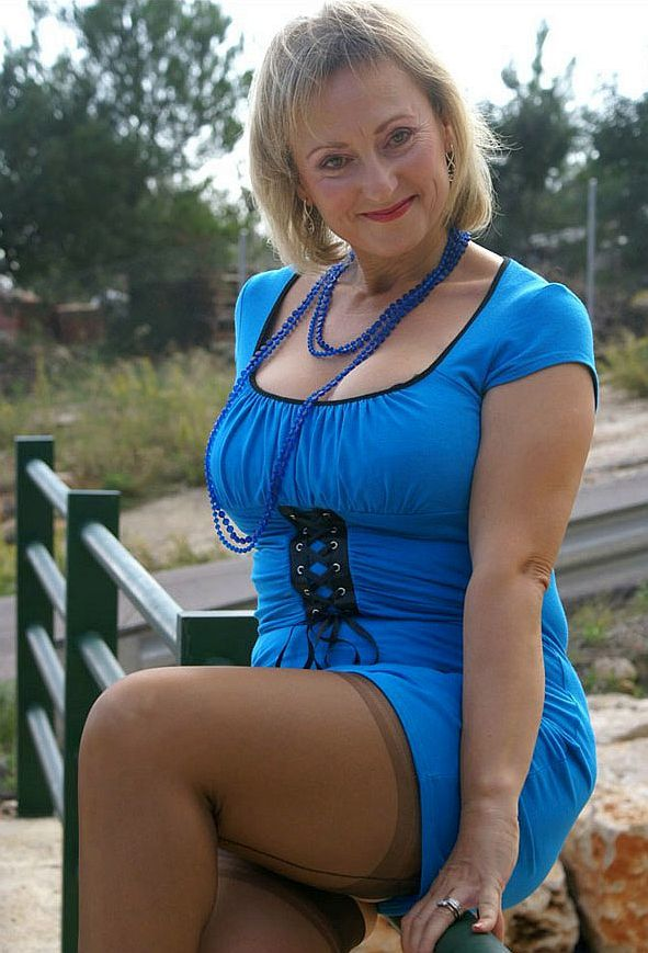 Mature Woman Posing In Blue Dress  Photos Of Sexy Older -9469