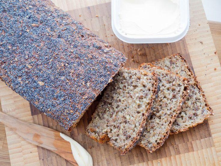 Recipe for Homemade Danish Rye Bread (The easy version)