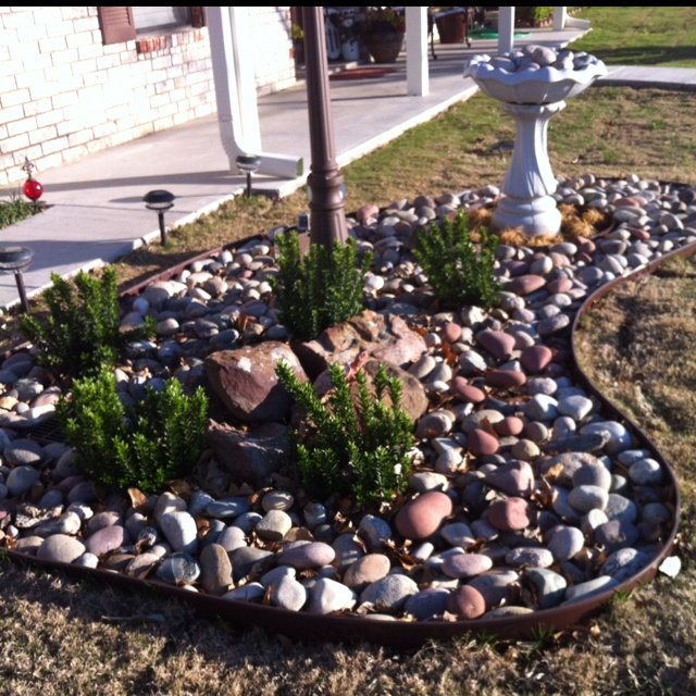 A Simple Rock Garden Can Perk Up Any Front Yard. This One Has An Antique  Lamp Post And Birdbath In It. | For The Home | Pinterest | Front Yards, ...
