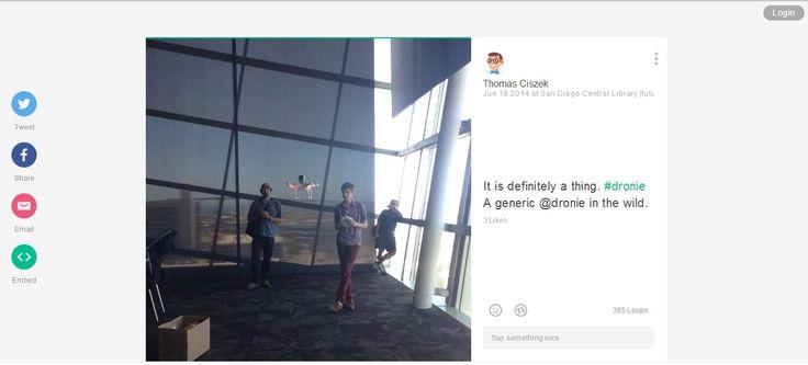 'Dronie' to inny rodzaj #selfie. Zamiast zdjęcia zrobionego smartfonem lub aparatem fotograficznym trzymanym w ręce, pokazujemy siebie w krótkim filmiku, rejestrowanym przez kamerę wbudowaną w Drona - sterowanego zdalnie wielowirnikowca. Wysoka jakość filmów zachęci niejednego do testowania możliwości tych maszyn.   selfie.pl