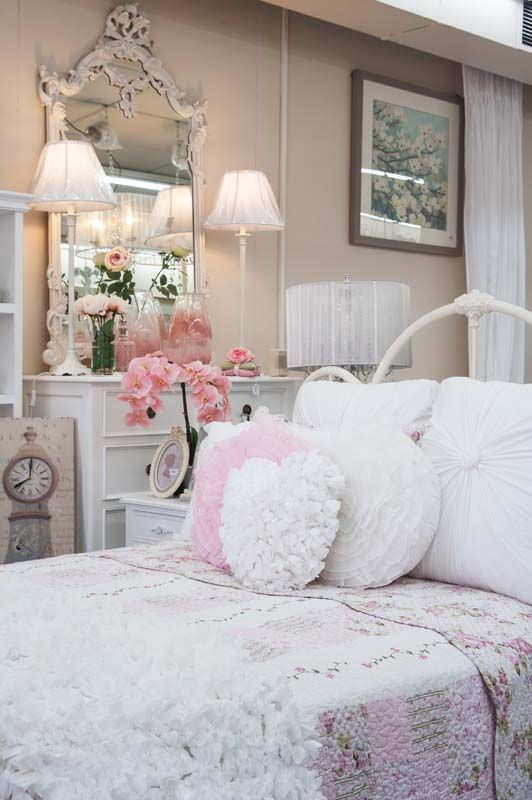 25 best ideas about romantic country bedrooms on 11308 | 6414f624555e38920615436db661024f shabby chic bedrooms shabby chic cottage