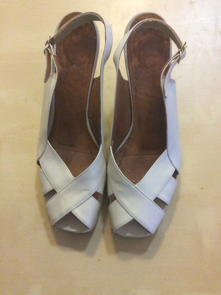 Cream Vintage Shoes by Peaceloveheart on Etsy