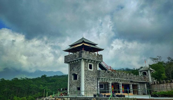 Wah, Ada Benteng Takeshi Di Sleman - http://yukdolanjogja.com/wp-content/uploads/2017/01/The-Lost-World-Castle-1.jpg - http://yukdolanjogja.com/wah-ada-benteng-takeshi-di-sleman/ -  #Cangkringan, #Seputarjogja, #Sleman, #TheLostWorldCastle, #Yogyakarta, #Yukdolanjogja