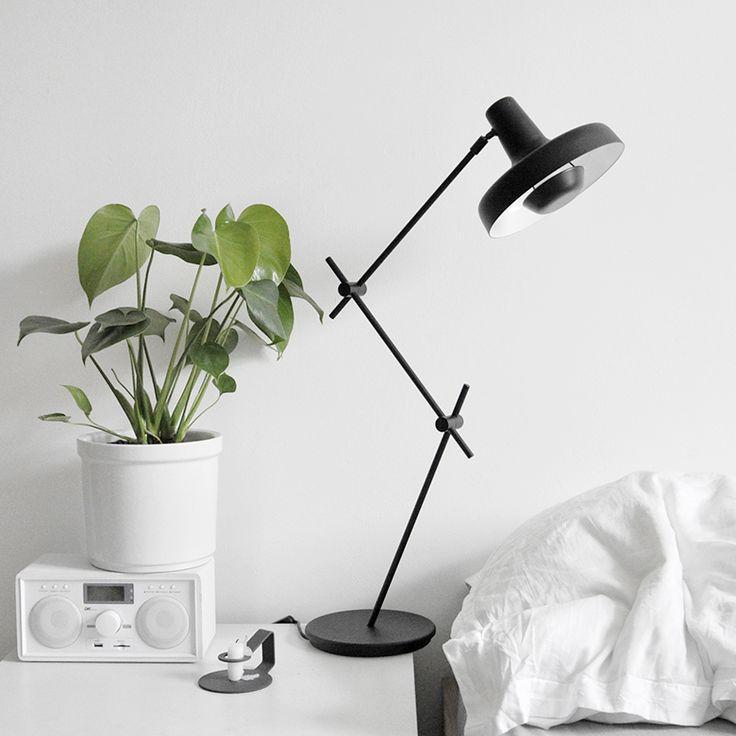 Find de smukke og industrielle lamper fra Grupa Products her: https://luksuslamper.dk/shop/grupa-products-563c1.html