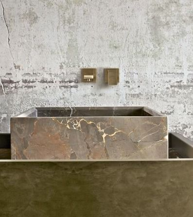 Marble bathroom sink. Renai & Renai