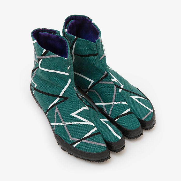 http://www.sousouus.com/product/split-toe-tabi-shoes-denim-zig-zag/
