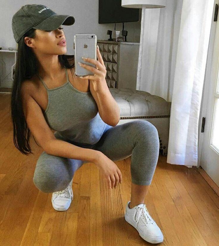 Teen fashion. Cute outfit. Grey leggings cropped grey tank