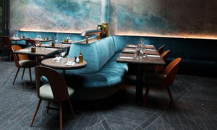 oh my oh my oh my...this is my dream upholstery and wall mural/painting! that COLOR ohSalle restaurant bar Hôtel National des Arts et Métiers Paris