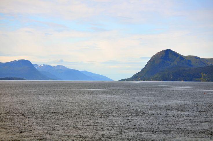 Moldefjorden by http://tonnyfroyen.com/    #landscape #sky #nature #naturephotography  #naturelovers #instapic #travel #Scenery #image #natureaddict #naturegram #amazing #photooftheday #wild #mountains #pretty #beauty #norway #molde #rbnett #norge