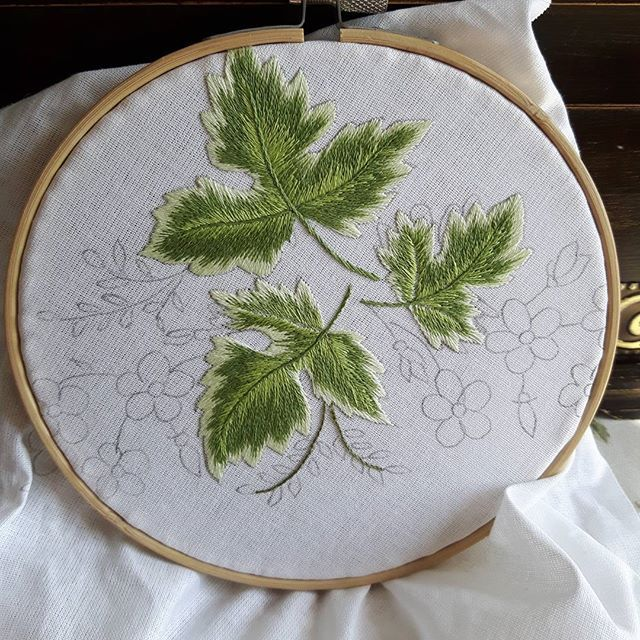 #embroidery #art #handcrafted #haftcieniowany #leafs #napkin #home #vintage #retro #table