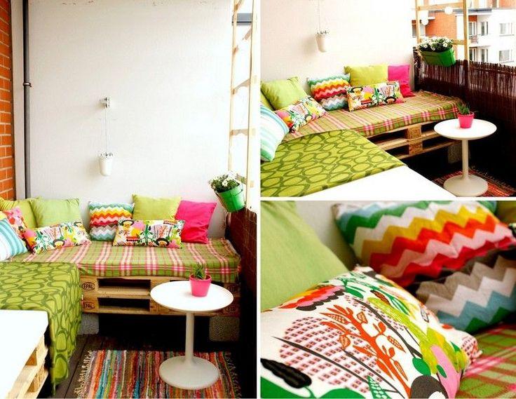 sofa auf dem balkon aus paletten und bambus sichtschutz. Black Bedroom Furniture Sets. Home Design Ideas