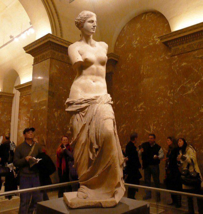 Венера Милосская: 15 малоизвестных фактов об одной из самых знаменитых статуях Лувра