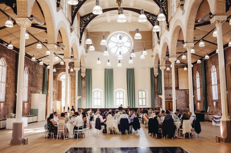 SARAH + DUNCAN // WEDDING PHOTOGRAPHY AT MANCHESTER TOWN HALL AND ST PETER'S ANCOATS