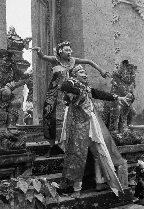 Henri Cartier-Bresson // Indonesia, 1949 -- Bali. The Baris dance