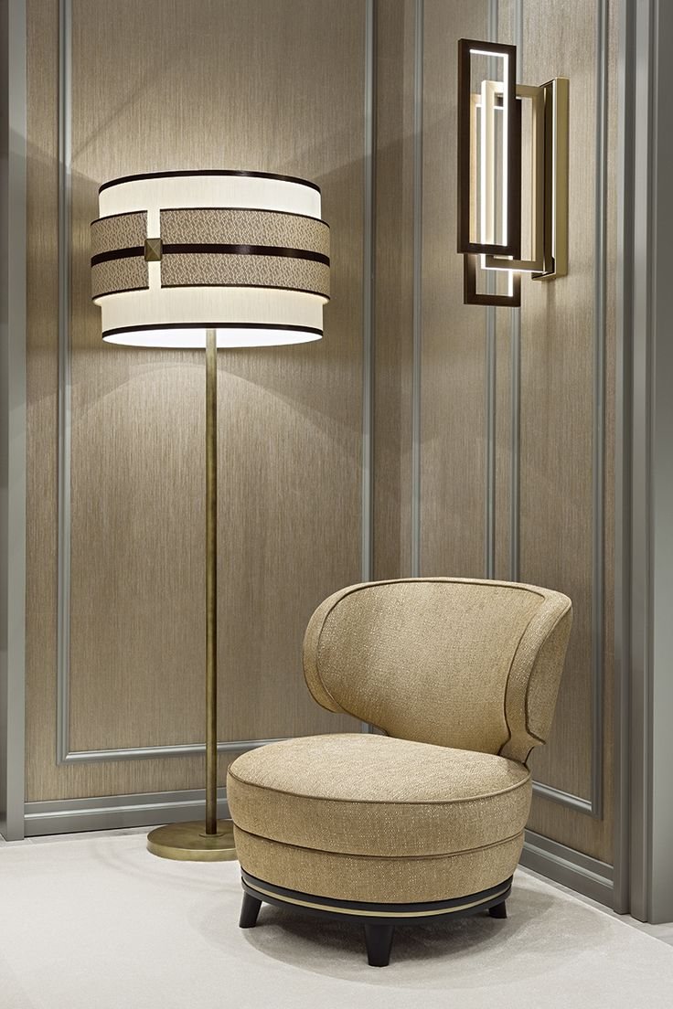Lighting is a fundamental component in architecture, to complete the Oasis total look. Marcel small armchair, Tamburo floor lamp and Edge wall lamp