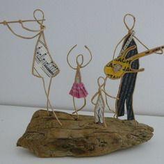 Une famille de musiciens - figurines en ficelle et papier
