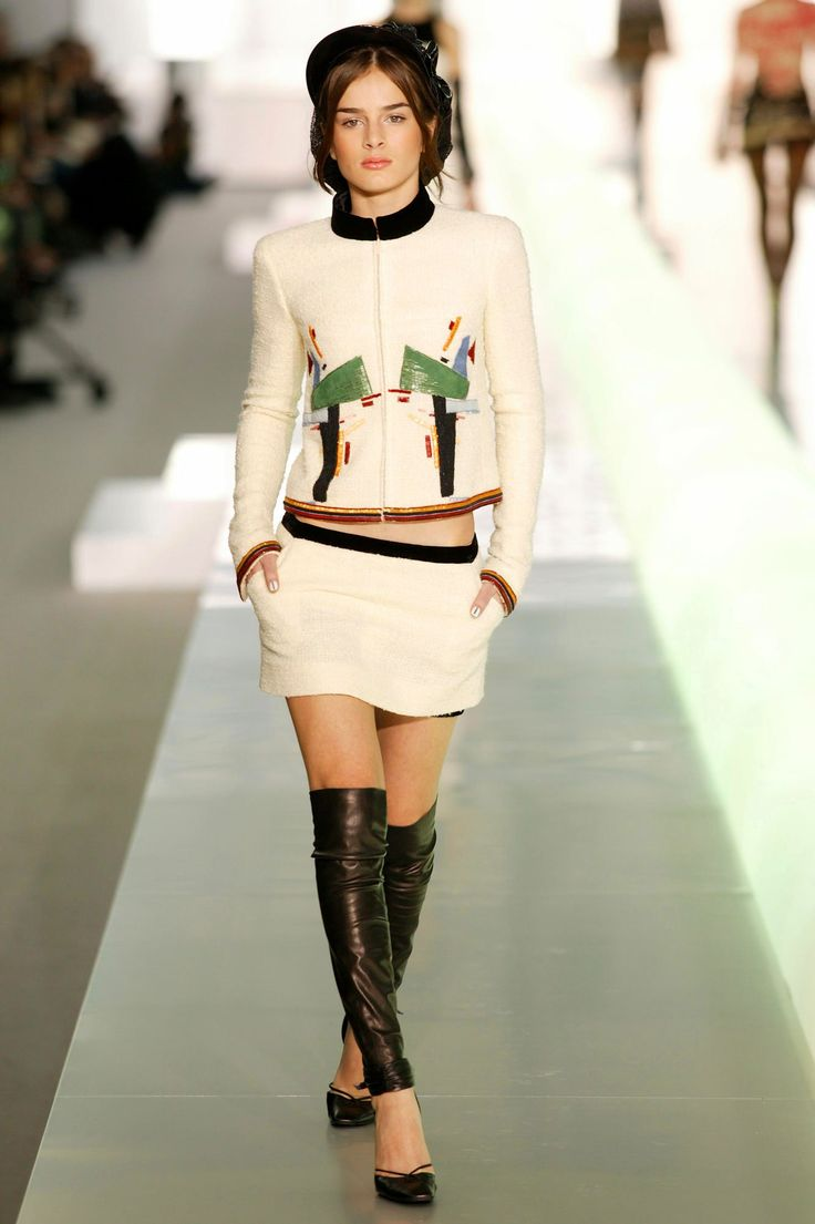 Karl Lagerfeld's Most Memorable Twists on the Iconic ...