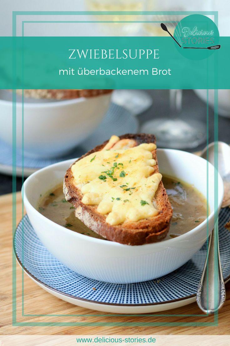 Französische Zwiebelsuppe mit geröstetem Brot und Raclettekäse.