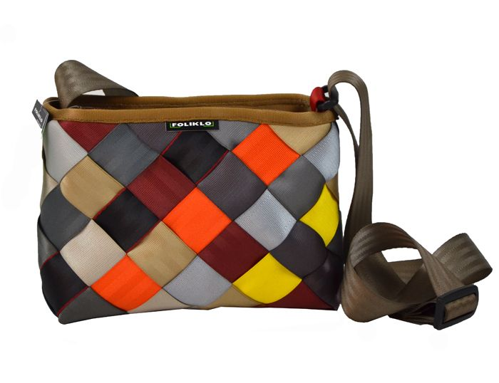 Upcycled bag made from seat bealts, Foliklo. www.dekoeko.com