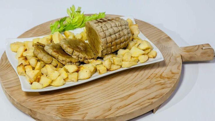 Oggi metteremo sotto la lente d'ingrandimento un alimento molto speciale,particolarmente amato dai vegetariani: il muscolo di grano, noto anche comecarne vegetale.A prima vista, il muscolo di grano sembra proprio un bel pezzo dicarne: la consistenza, la forma e perfino il sapore si avvicinano molto, peresempio, ad un &delicato arrosto dipollo! In realtà, però, il muscolo di grano è realizzato totalmente con ingredientivegetali.&Che cos'è il muscolo di grano?È un alimento vegetale che deriva…