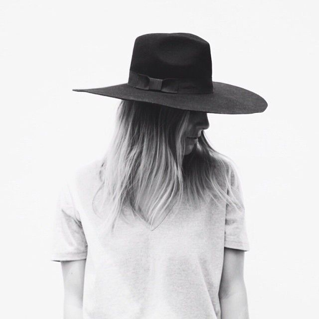 wide brimmed hat - this one is perfect!