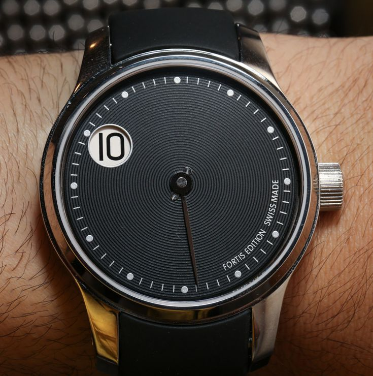 F-43 Jumping Hour Limited Edition Watches Hands-On   Fortis