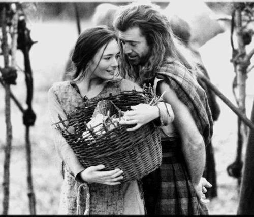Catherine McCormack (Murron MacClannough) & Mel Gibson (William Wallace) - Braveheart directed by Mel Gibson (1995)