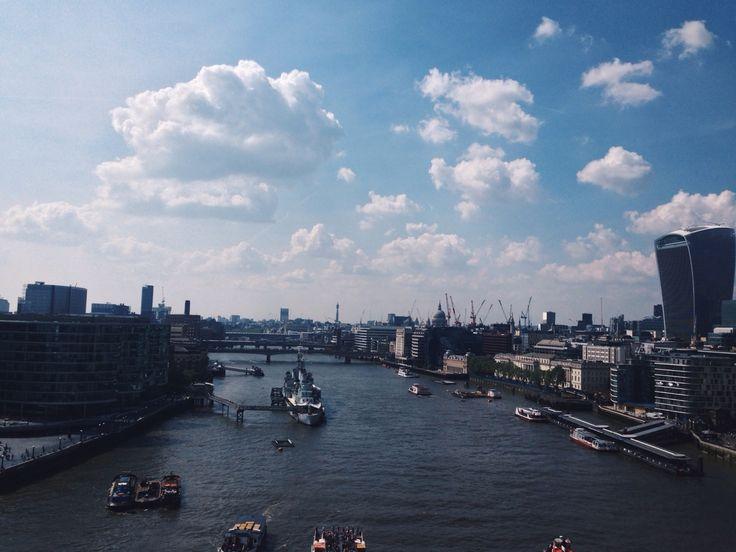#NYU #London | Climbed on the glass passageway above Tower Bridge.