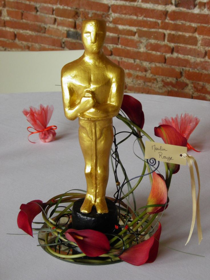 Centre de table oscar th me cin ma fleurs calla rouge th me le cin ma pinterest tables - Centre de table cinema mariage ...