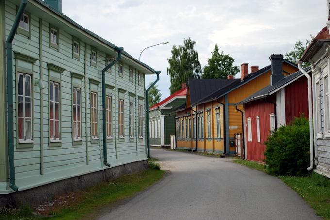 Wooden houses at Strandgatan/Rantakatu, Kristinestad/Kristiinankaupunki (Photo: Kajsa Snickars)