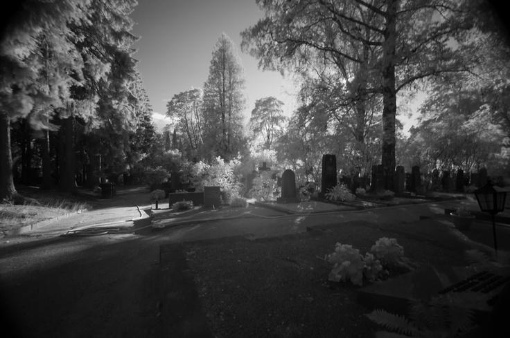 Hietaniemen hautausmaa, photo by Tero Heino flickr. #Syntitehdas -kirjan paikkoja.