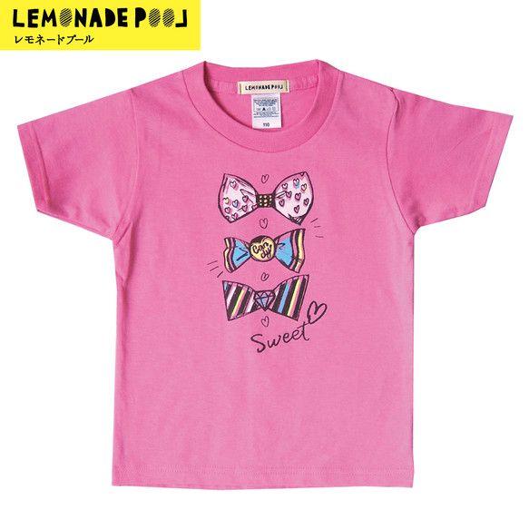 しっかりとしたやや厚地のTシャツに楽しいイラストを印刷しました。ピンクのTシャツにリボンとキャンディのイラストがパステルカラーとチョコレートブラウンのインクで... ハンドメイド、手作り、手仕事品の通販・販売・購入ならCreema。