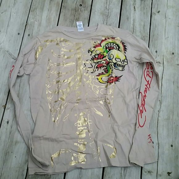Don Ed Hardy Long Sleeve Tee Size Medium Don Ed Hardy Long Sleeve Tee.  Size: Medium  Exactly as pictured  No trades please No disrespectful Lowballing  No off-site transactions  Price ABSOLUTELY FIRM UNLESS YOU BUNDLE Ed Hardy Tops Tees - Long Sleeve