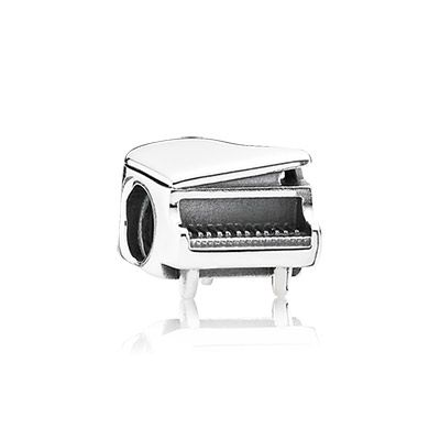 Dedicated piano players and music fans alike will adore this delightful charm. The glistening sterling silver piano will bring a smile to your face and a song to your heart. #PANDORA #PANDORAcharm
